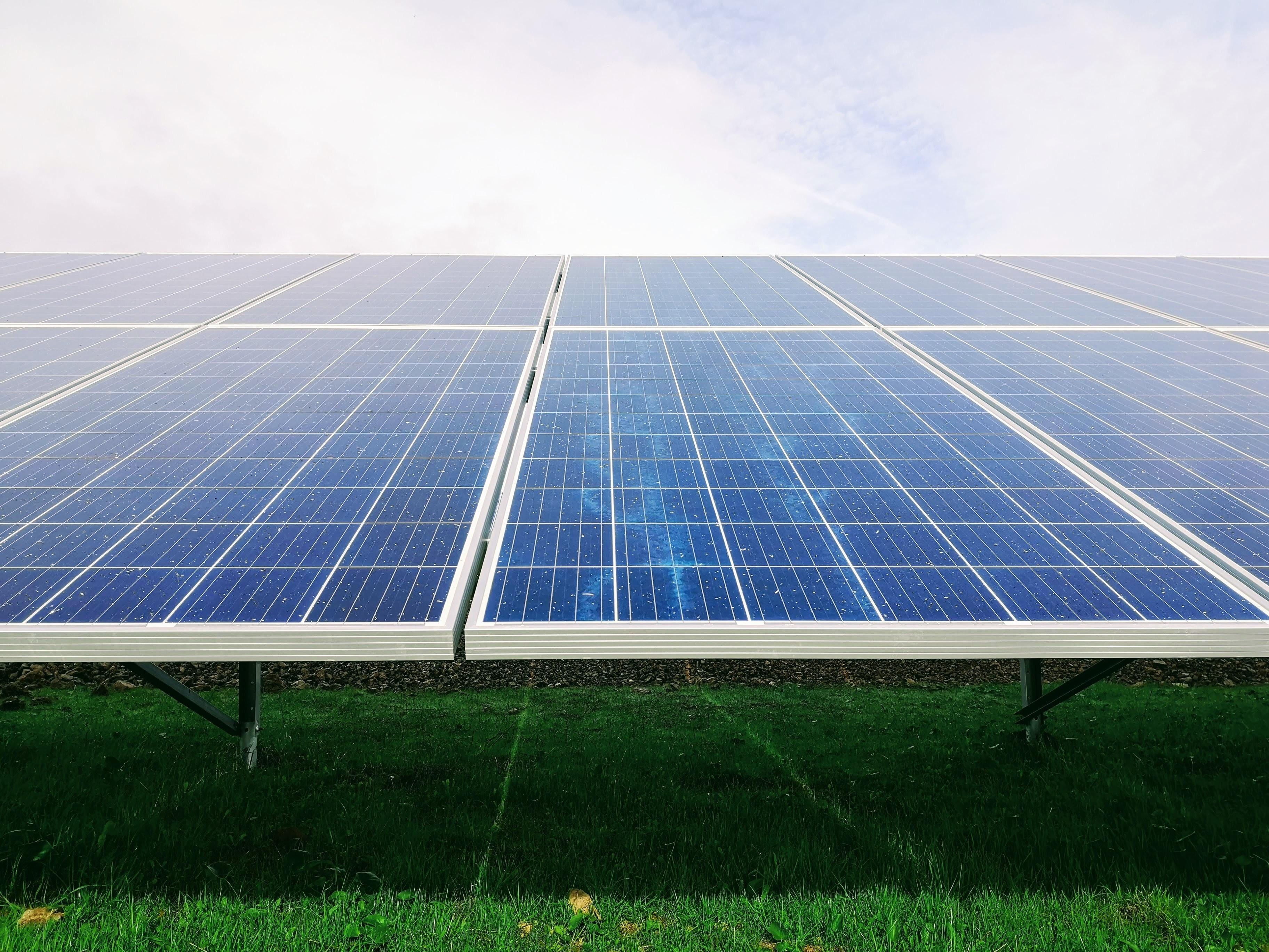 Czyszczenie kolektorów słonecznych wodą demineralizowaną